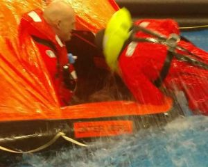 Yacht Presse-Artikel | ISAF Sicherheitstraining | ISAF Training | Überlebenstraining | Offshore Sea Survival Refresher | DSV (Deutscher Segler Verband) zertifizierte Trainings